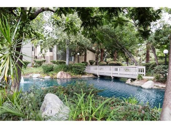 Condominium - Orange, CA (photo 2)