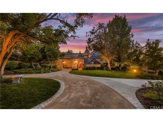 Single Family Residence, French,Mediterranean - North Tustin, CA