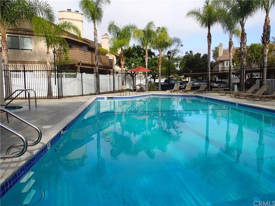 Condominium - Laguna Hills, CA (photo 3)