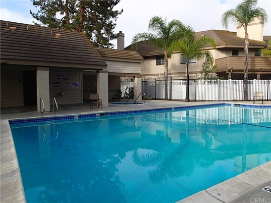 Condominium - Laguna Hills, CA (photo 4)