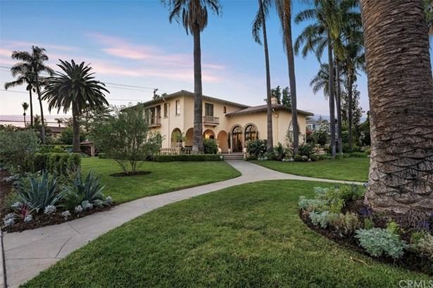 Mediterranean, Single Family Residence - Santa Ana, CA