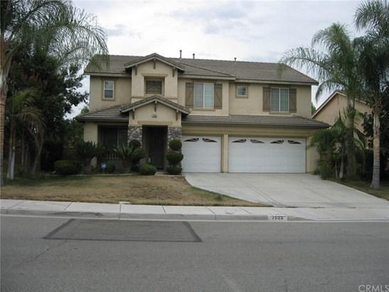 Single Family Residence, Contemporary - Eastvale, CA (photo 1)
