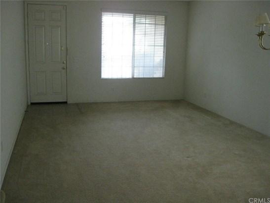 Single Family Residence, Contemporary - Eastvale, CA (photo 3)