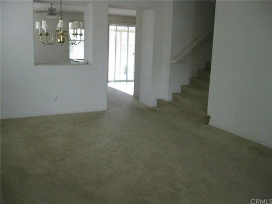 Single Family Residence, Contemporary - Eastvale, CA (photo 5)