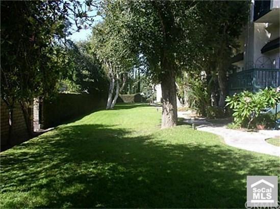 Condominium, Contemporary - Tustin, CA (photo 5)
