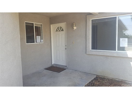 Single Family Residence, Traditional - Anaheim, CA (photo 2)