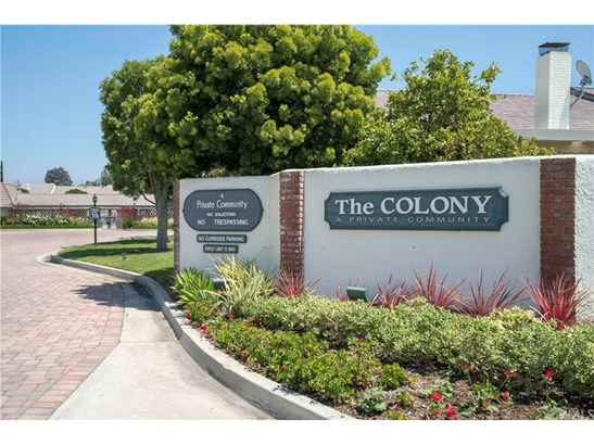 Tudor, Single Family Residence - North Tustin, CA (photo 2)