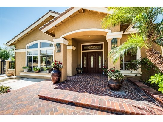 Single Family Residence, Contemporary - Yorba Linda, CA (photo 4)