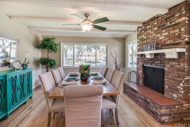 Custom Built,Ranch,Traditional, Single Family Residence - Santa Ana, CA (photo 4)