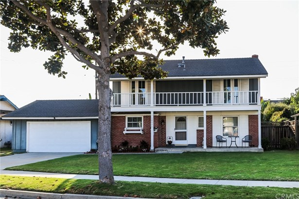Single Family Residence, Colonial - Fountain Valley, CA