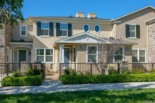 Townhouse, Traditional - Tustin, CA (photo 1)