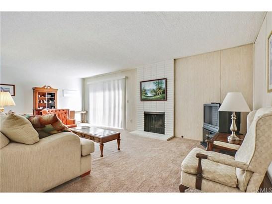 Single Family Residence, Ranch - Huntington Beach, CA (photo 2)