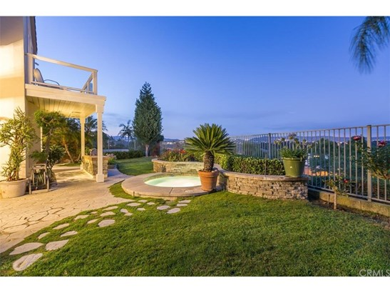 Single Family Residence, Contemporary - Fullerton, CA (photo 2)