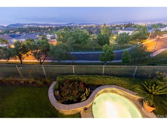 Single Family Residence, Contemporary - Fullerton, CA (photo 3)