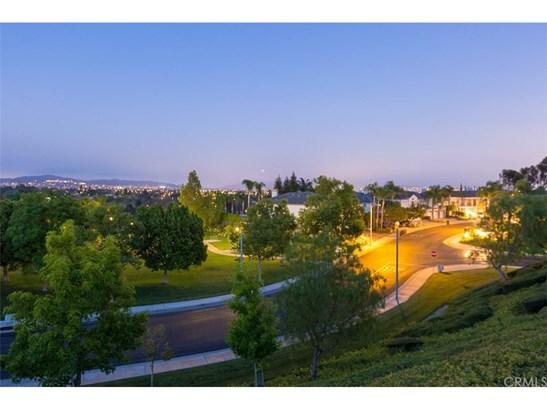 Single Family Residence, Contemporary - Fullerton, CA (photo 5)