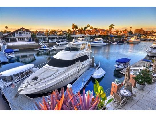 Single Family Residence, Traditional - Huntington Beach, CA
