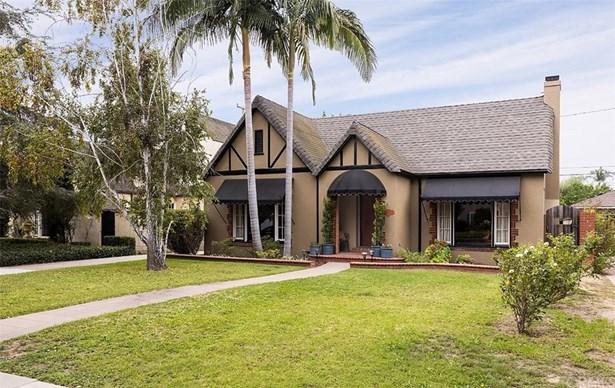 Single Family Residence, English,Tudor - Santa Ana, CA