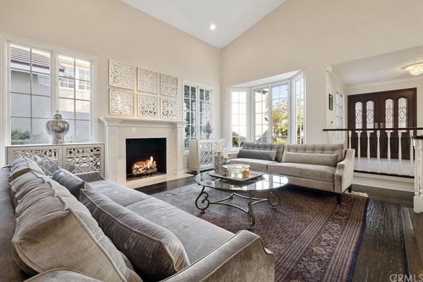 Single Family Residence, Cottage,Craftsman,English - Huntington Beach, CA
