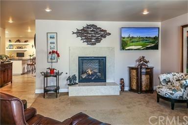 Contemporary,Custom Built,Traditional - Single Family Residence (photo 3)