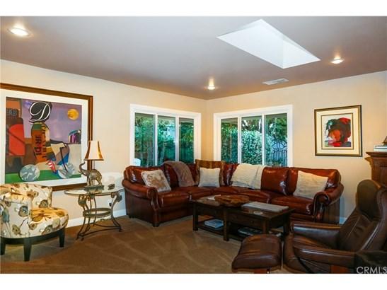 Contemporary,Custom Built,Traditional - Single Family Residence (photo 4)