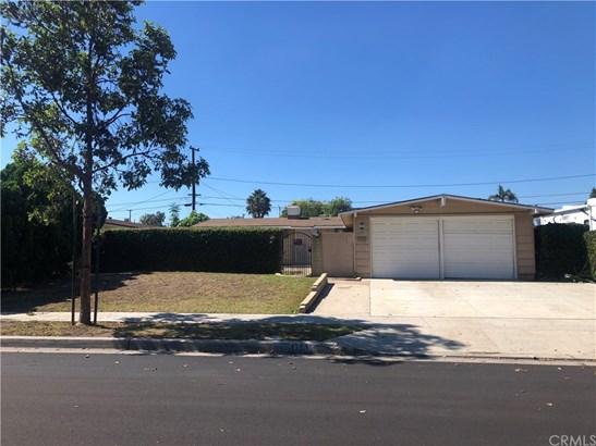 Single Family Residence, Contemporary - Anaheim, CA
