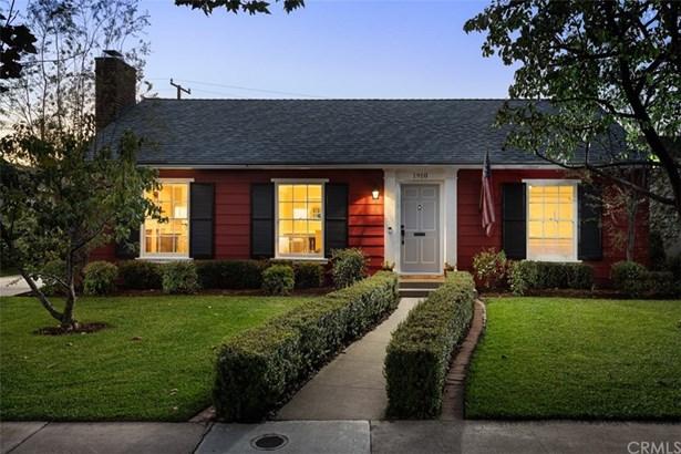 Single Family Residence, Cape Cod,Custom Built - Santa Ana, CA