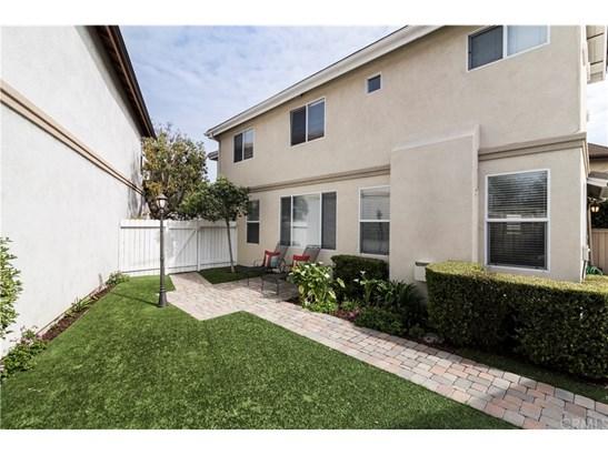Single Family Residence, Traditional - Tustin, CA (photo 4)