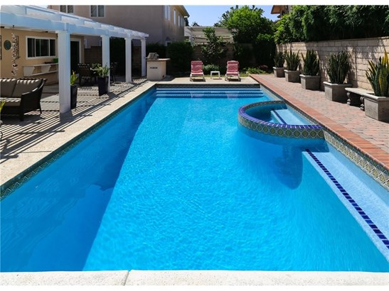 Single Family Residence, Spanish - Costa Mesa, CA