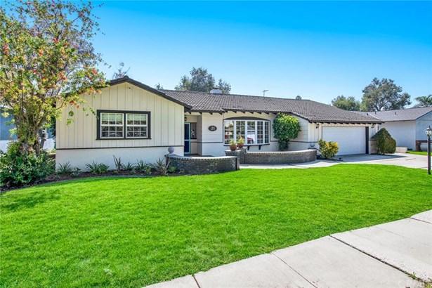 Single Family Residence, Ranch - Santa Ana, CA