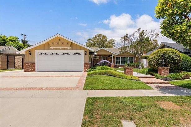 Single Family Residence - Rossmoor, CA