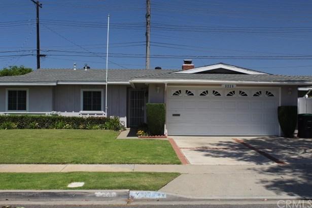 Single Family Residence, Contemporary - Costa Mesa, CA (photo 3)