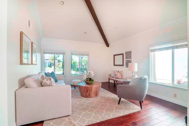 Single Family Residence - Irvine, CA (photo 3)