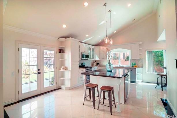 Single Family Residence - Irvine, CA (photo 5)