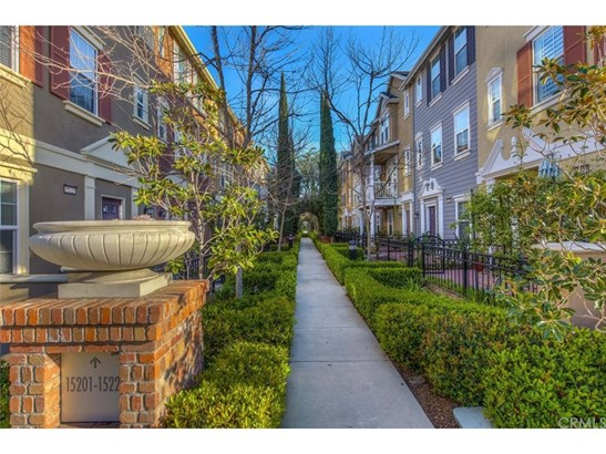 Townhouse, Traditional - Tustin, CA (photo 5)