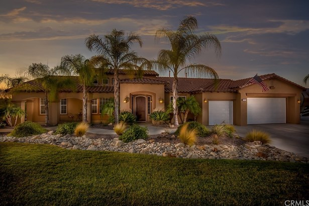 Single Family Residence, Spanish - Riverside, CA (photo 2)