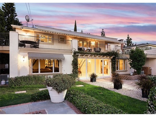 Custom Built,Georgian, Single Family Residence - Santa Ana, CA (photo 3)