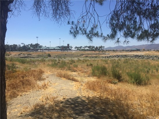 Land/Lot - Lake Elsinore, CA (photo 3)