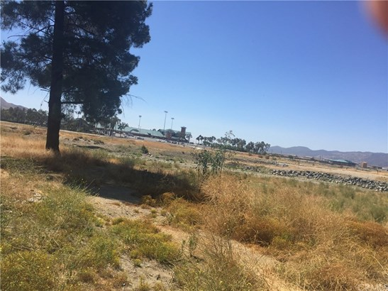 Land/Lot - Lake Elsinore, CA (photo 5)