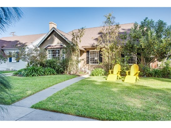 Tudor, Single Family Residence - Santa Ana, CA (photo 4)