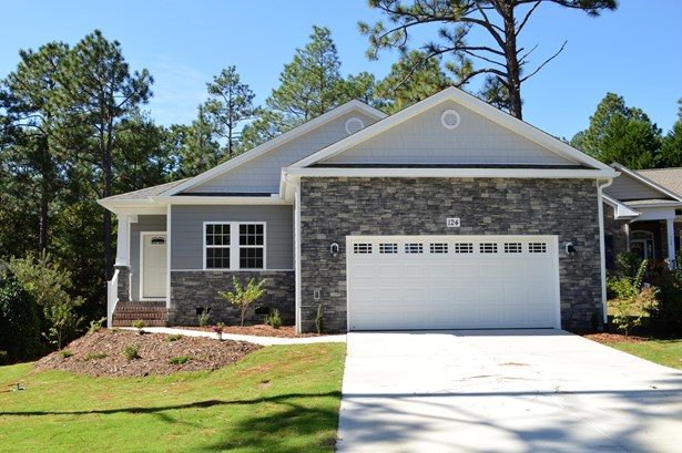 Traditional, Single Family - Southern Pines, NC