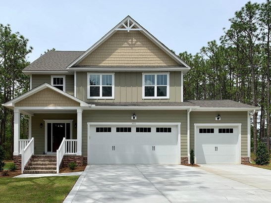 Single Family, Cottage,Traditional - Aberdeen, NC