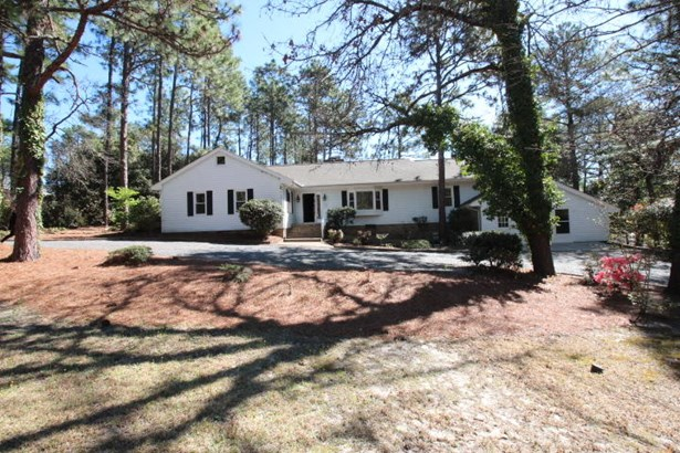 Ranch, Single Family - Southern Pines, NC (photo 1)