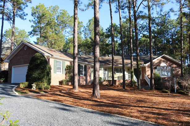 Traditional, Single Family - West End, NC (photo 1)
