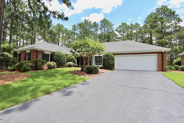 Condo/Townhouse, Traditional - Southern Pines, NC