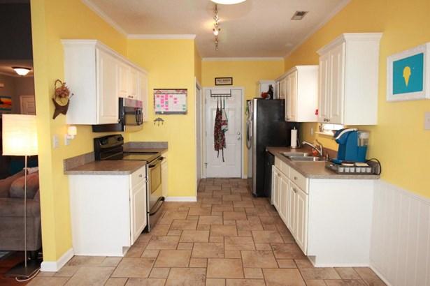 Cottage, Single Family - Aberdeen, NC (photo 4)