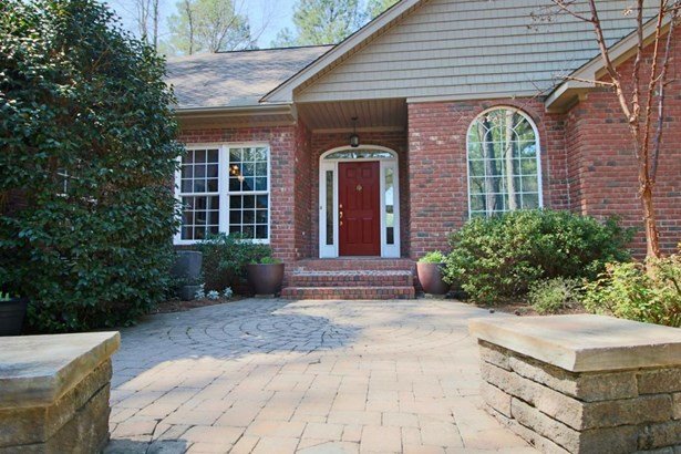 Traditional, Single Family - Whispering Pines, NC (photo 3)