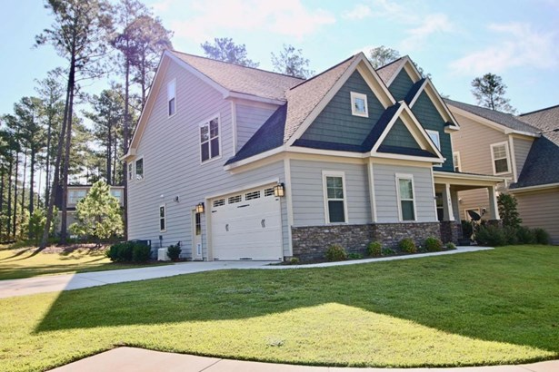 Traditional, Single Family - Aberdeen, NC (photo 3)