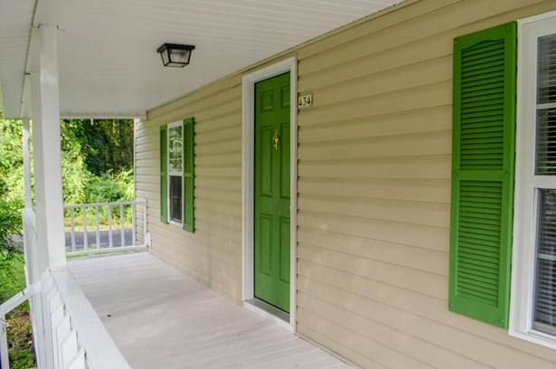 Farmhouse, Single Family - Vass, NC (photo 4)