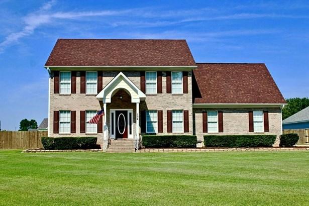 Colonial, Single Family - Raeford, NC
