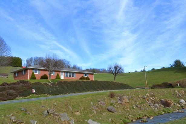 2541 Grassy Creek Road, Grassy Creek, NC - USA (photo 1)